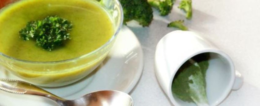 Brokolicový krém s mladým ječmenem