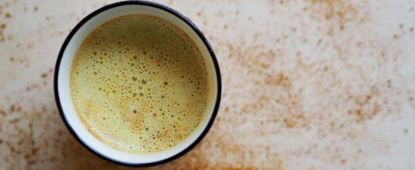 Kurkumový nápoj s ashwagandhou