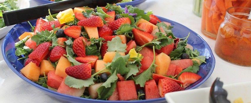 Ovocný salát s golden berries